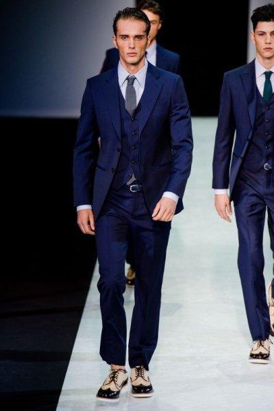 画像3: ジョルジオアルマーニ黒ラベル「TRADERモデル」紺色ストライプスーツ(58)S/S