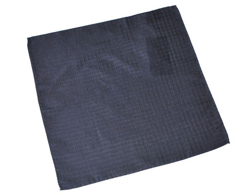 画像1: ジョルジオアルマーニ黒ラベル「地紋入り黒ソリッド」ポケットチーフ (1)