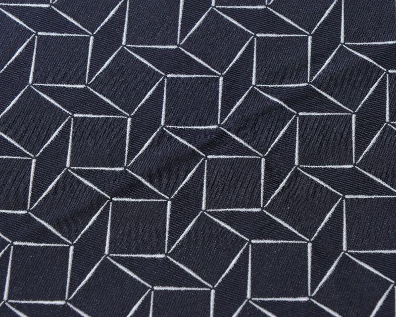画像1: GIORGIO ARMANI ポケットチーフ ピュアシルク製 「幾何学模様」 紺色 (1)