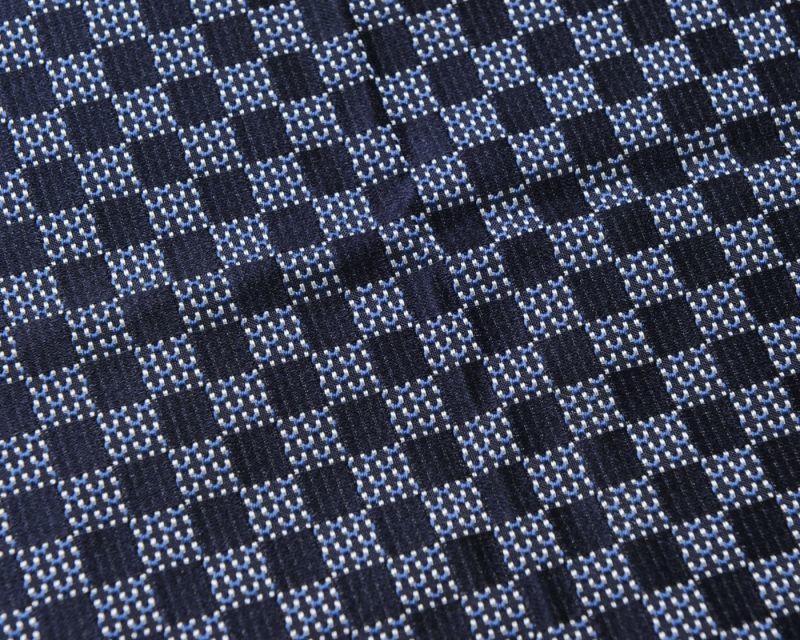 画像1: GIORGIO ARMANI ポケットチーフ ピュアシルク製 「チェック柄」 紺色 (1)