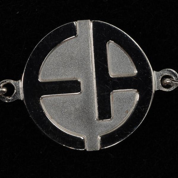 画像1: エンポリオアルマーニのロゴ入り純銀ペンダント(レディース) (1)