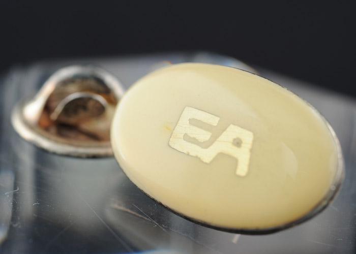 画像1: エンポリオアルマーニのロゴ入りネクタイピン (1)